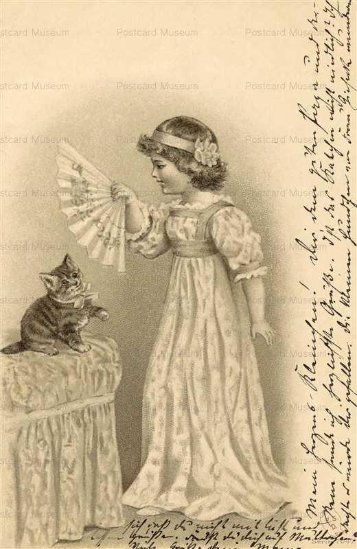 acb017-Kitten and Girl Folding Fan