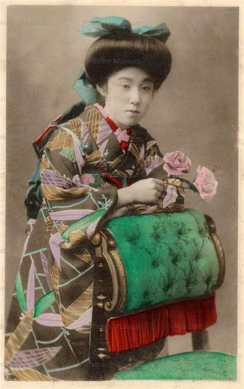 bj002-束髪美人 バラと椅子