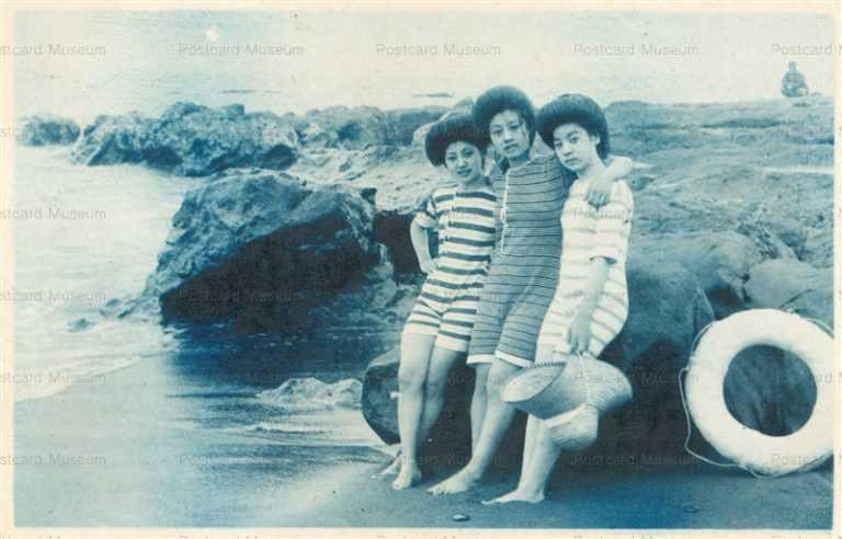 bs350-水着三人