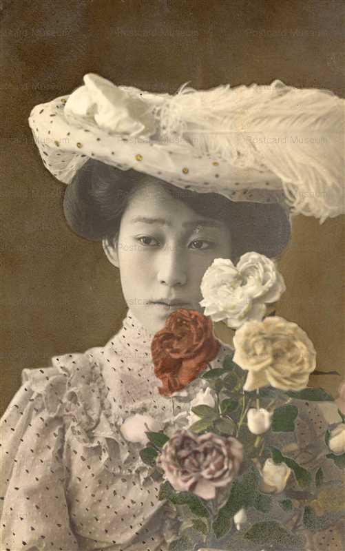 by013-洋装美人と花