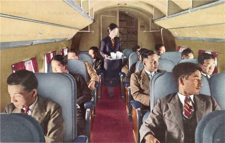 ca895-飛行機機内の様子