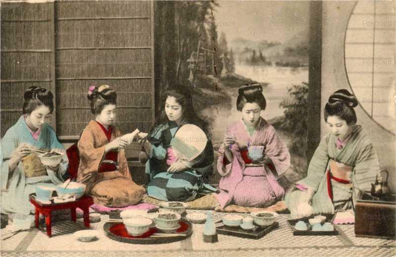 fe030-宴会風食事 団扇 女性五人