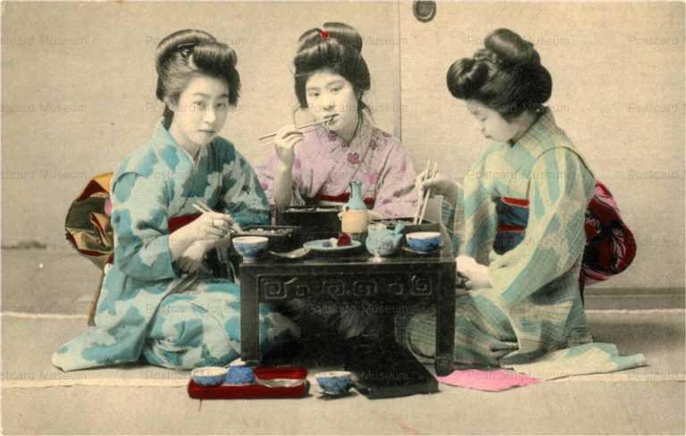 fe040-折弁当を食べる女性三人