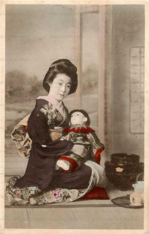 fi003-市松人形 黒振袖