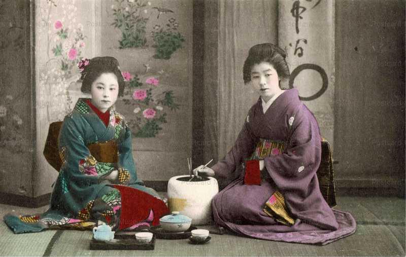 fk003-お茶で寛ぐ2人