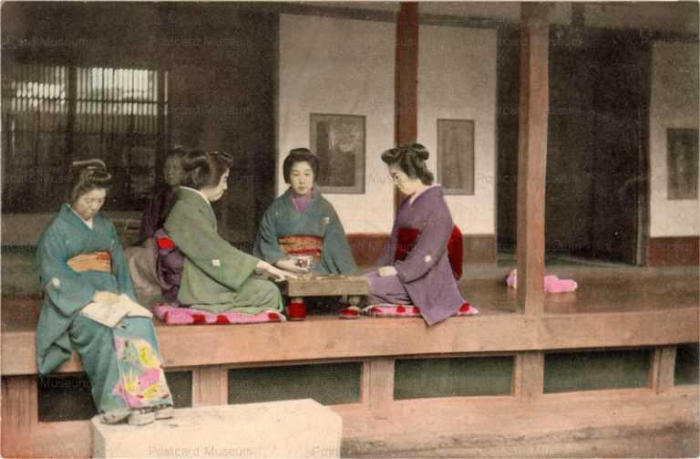 fk620-縁側で囲碁をする女性達