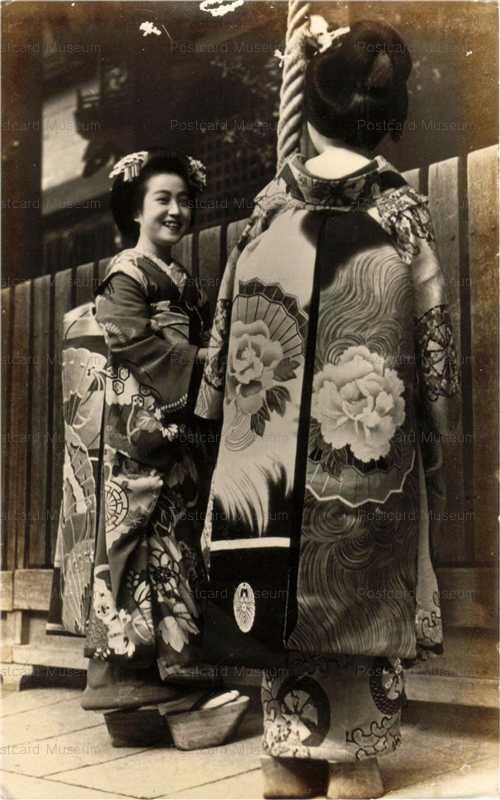 mb025-舞妓二人 帯 神社