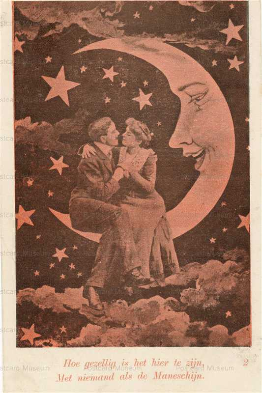 mn006-Love Couple on the Moon