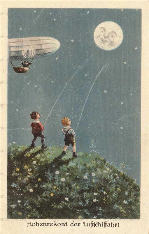 mn007-Little Boys Pee on Smiling Moon