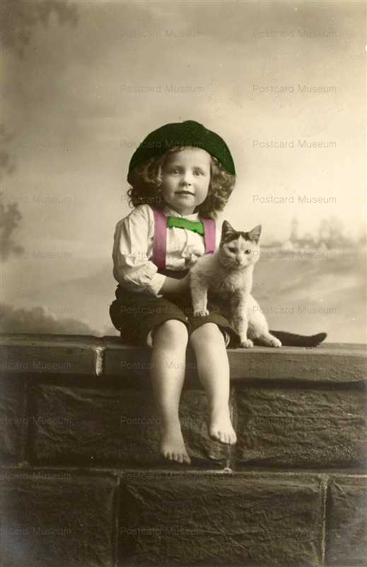 ac010-Cute Little Kid with Cat