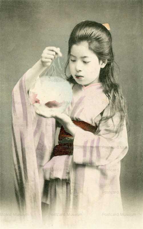 ba080-金魚鉢を持つ少女