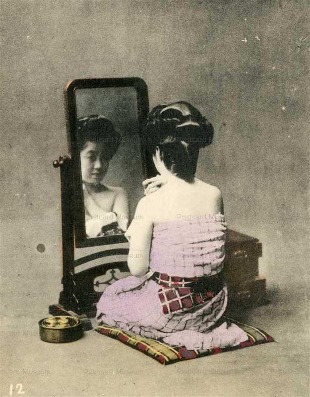 bf100-化粧中の美人