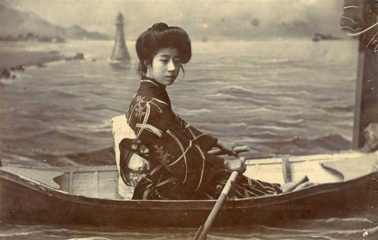 bh020-ボートに乗る女性