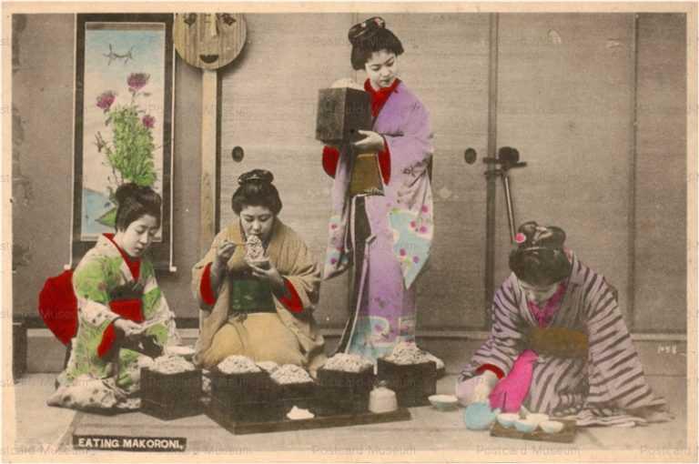 fe004-ざる蕎麦を食べる女性四人
