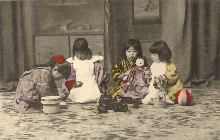 fi029-市松人形 遊びの少女