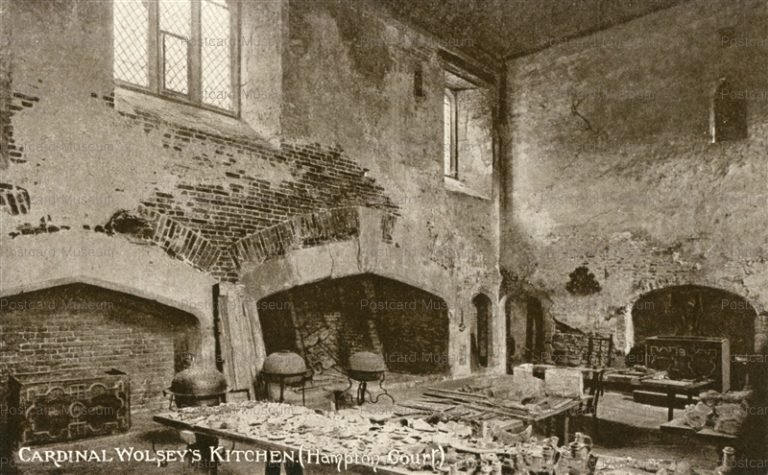 ge310-Cardinal Wolsey's Kitchen Hampton Court