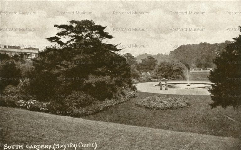 ge313-South Gardens Hampton Court
