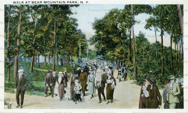 usa063-Walk at Bear Mountain Park N.Y.
