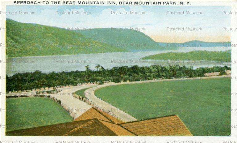 usa069-Approach to the Bear Mountain Inn Bear Mountain Park N.Y.